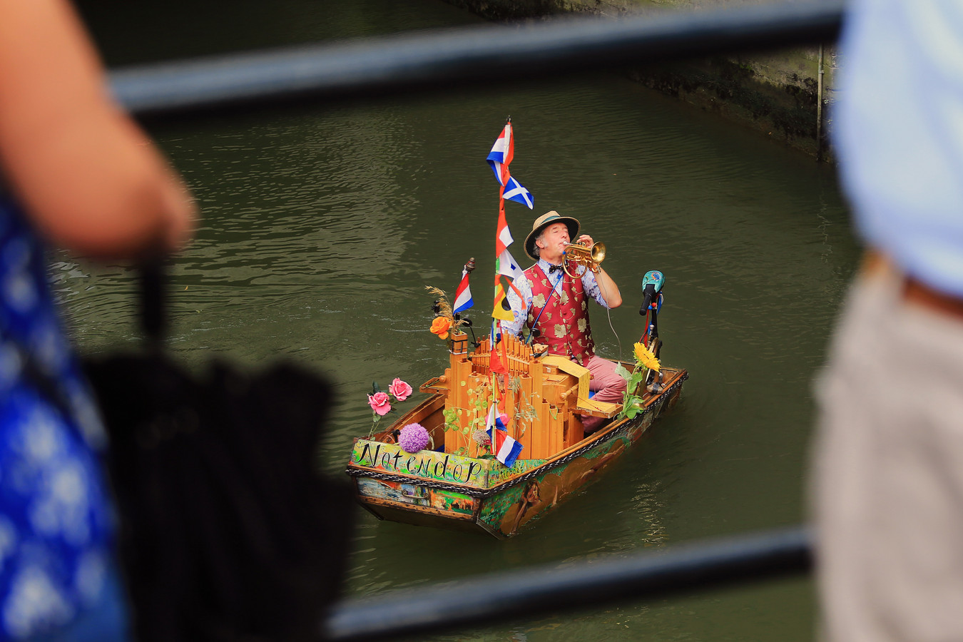 The story behind the famous Music boat